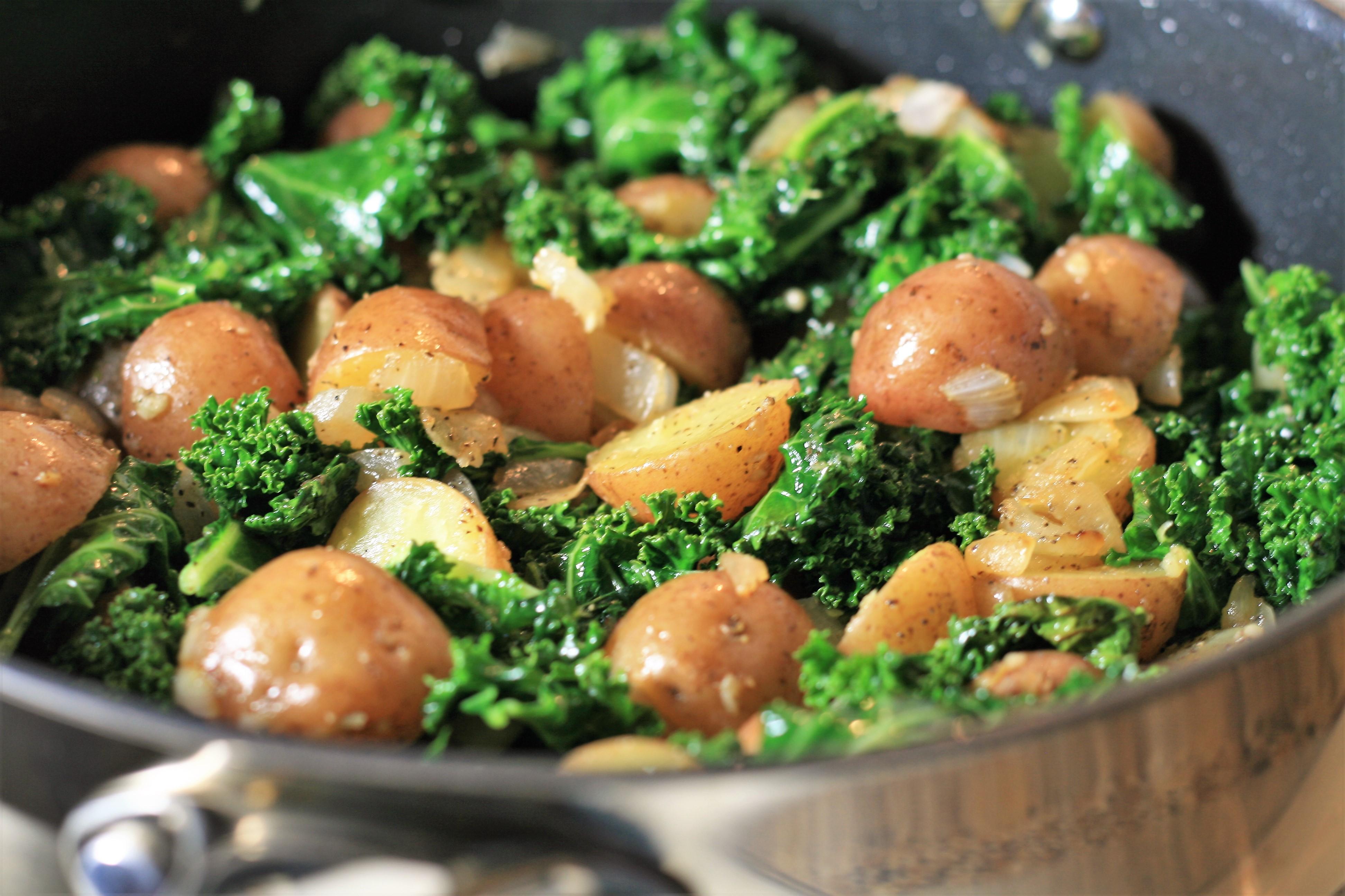 Sauteed Potatoes with Kale_image