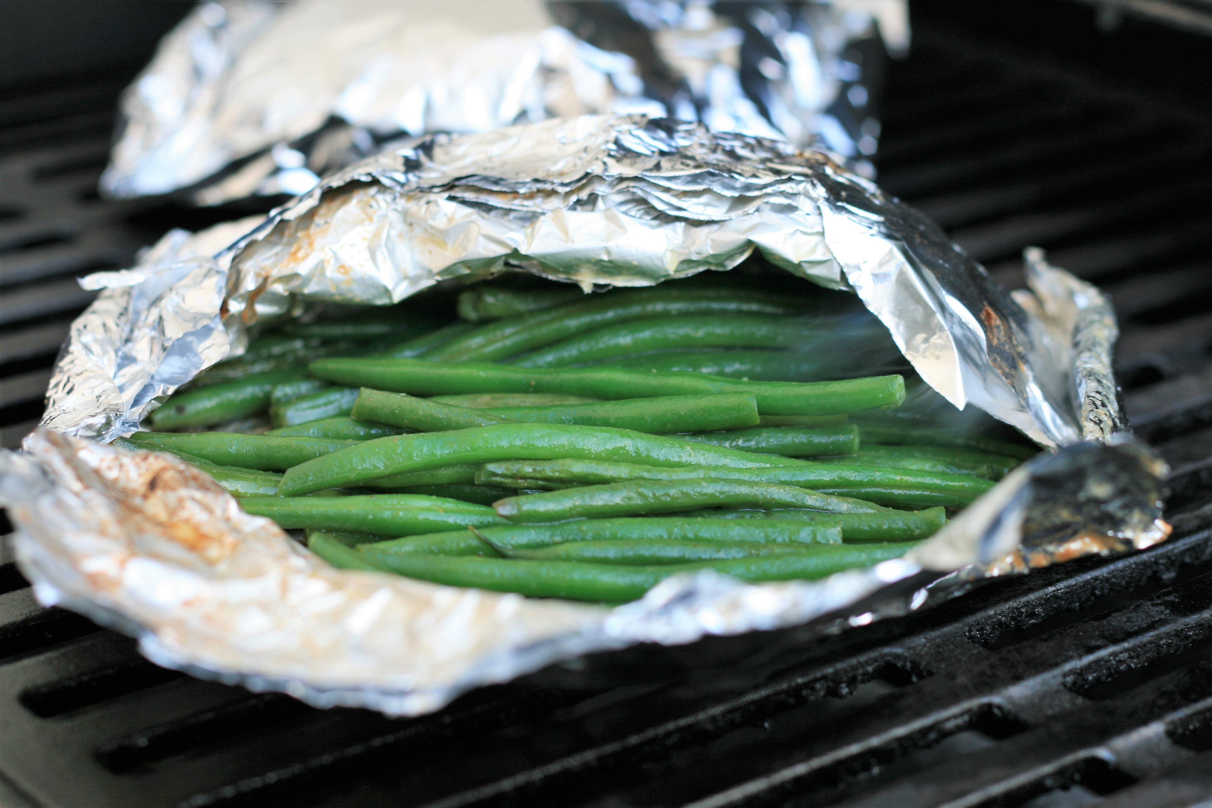 Green Beans Grilled in Foil_image