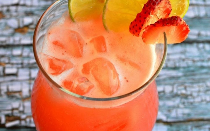 Mexican Strawberry Water (Agua de Fresa)