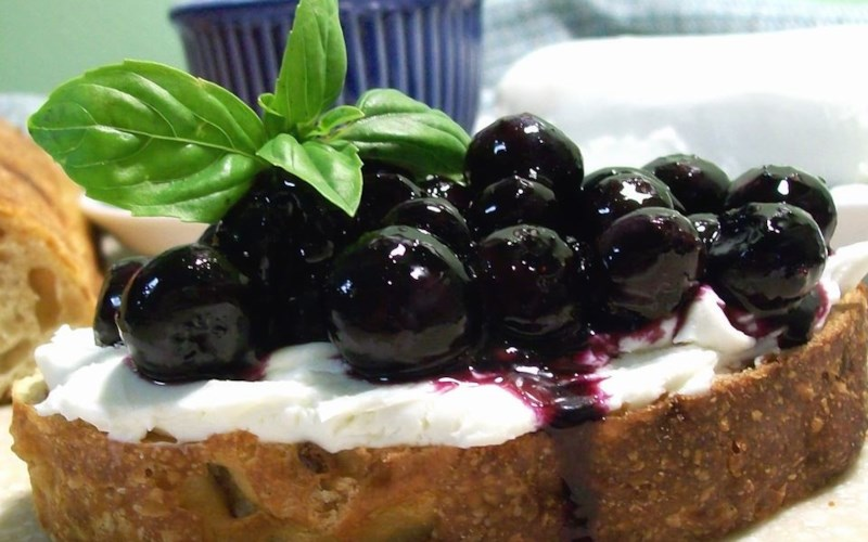 Catherine's Pickled Blueberries