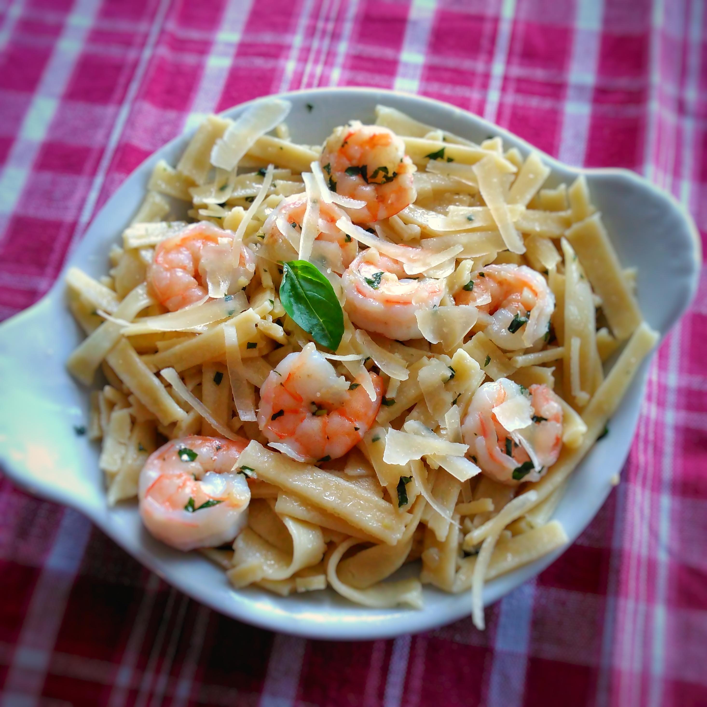 Linguine with Garlic-Butter Shrimp image