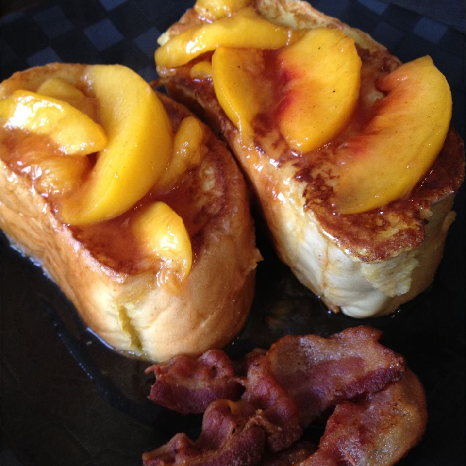 Mascarpone Stuffed French Toast with Peaches Escapechef