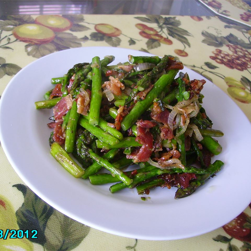 Fried Asparagus with Bacon