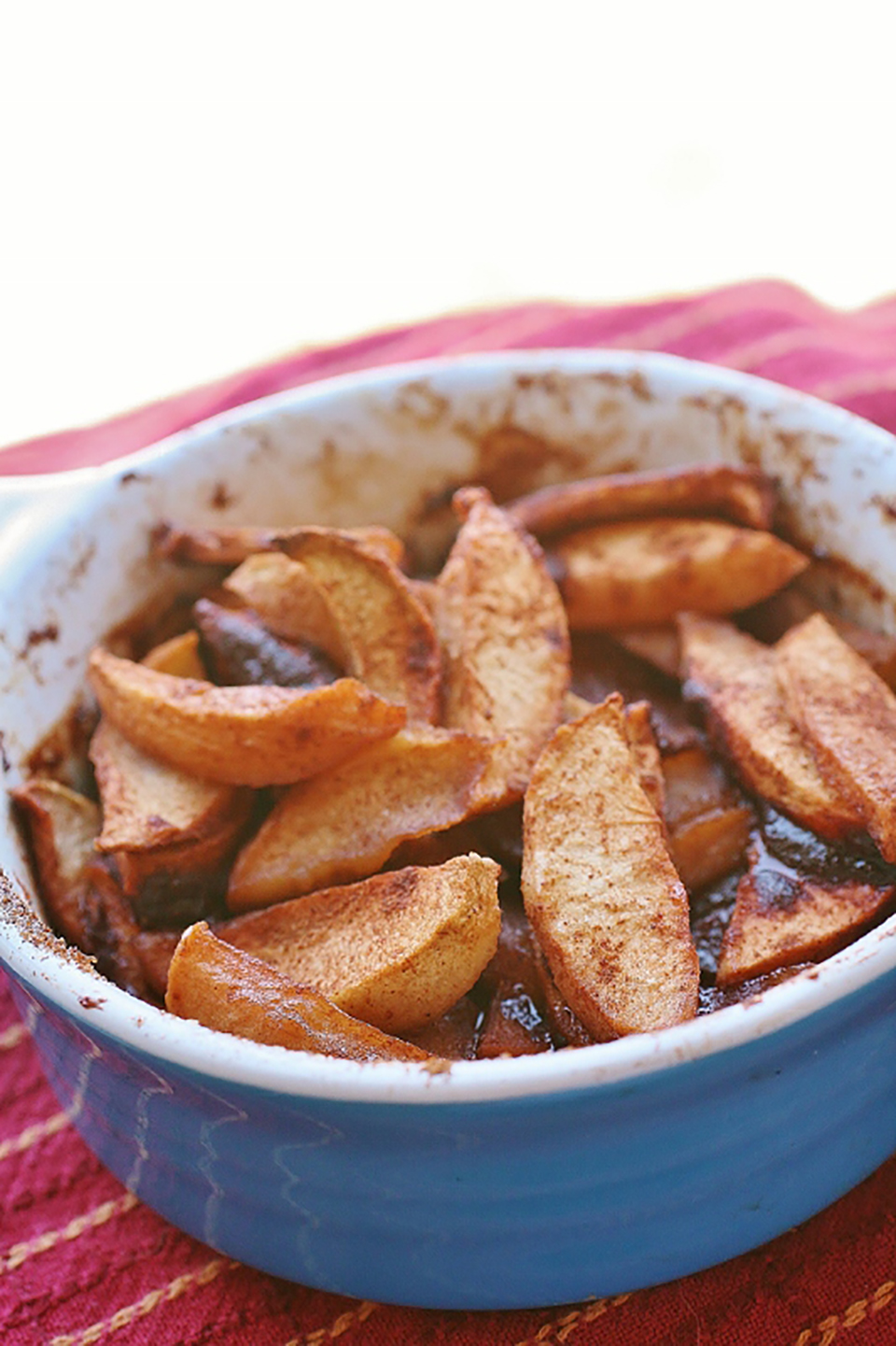 Delicious Cinnamon Baked Apples_image