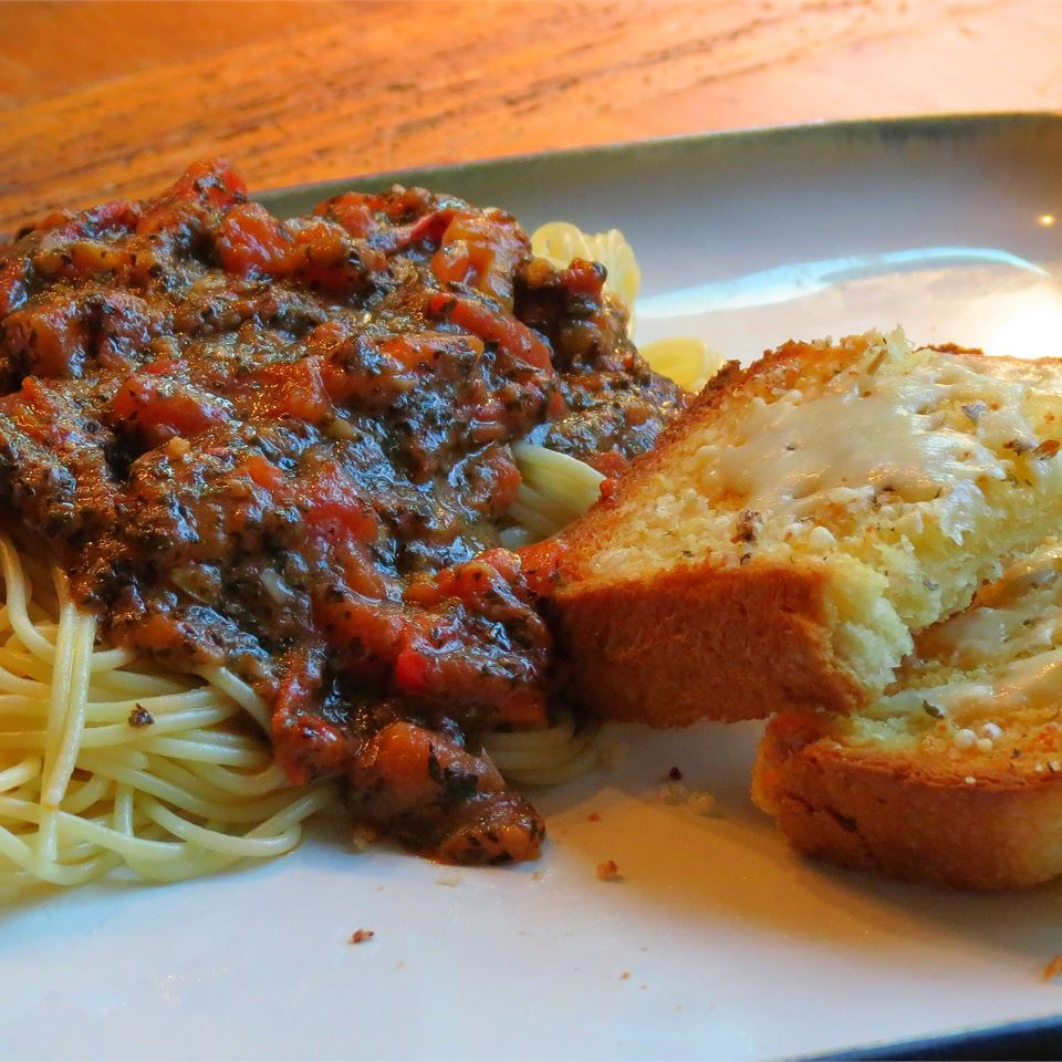 Homemade Tomato Basil Pasta Sauce