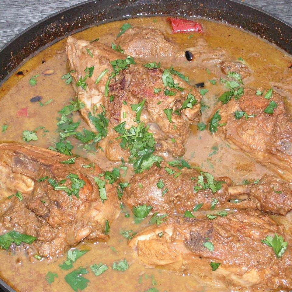 Pomegranate Stew with Chicken (Khoresh Fesenjan) Sepi