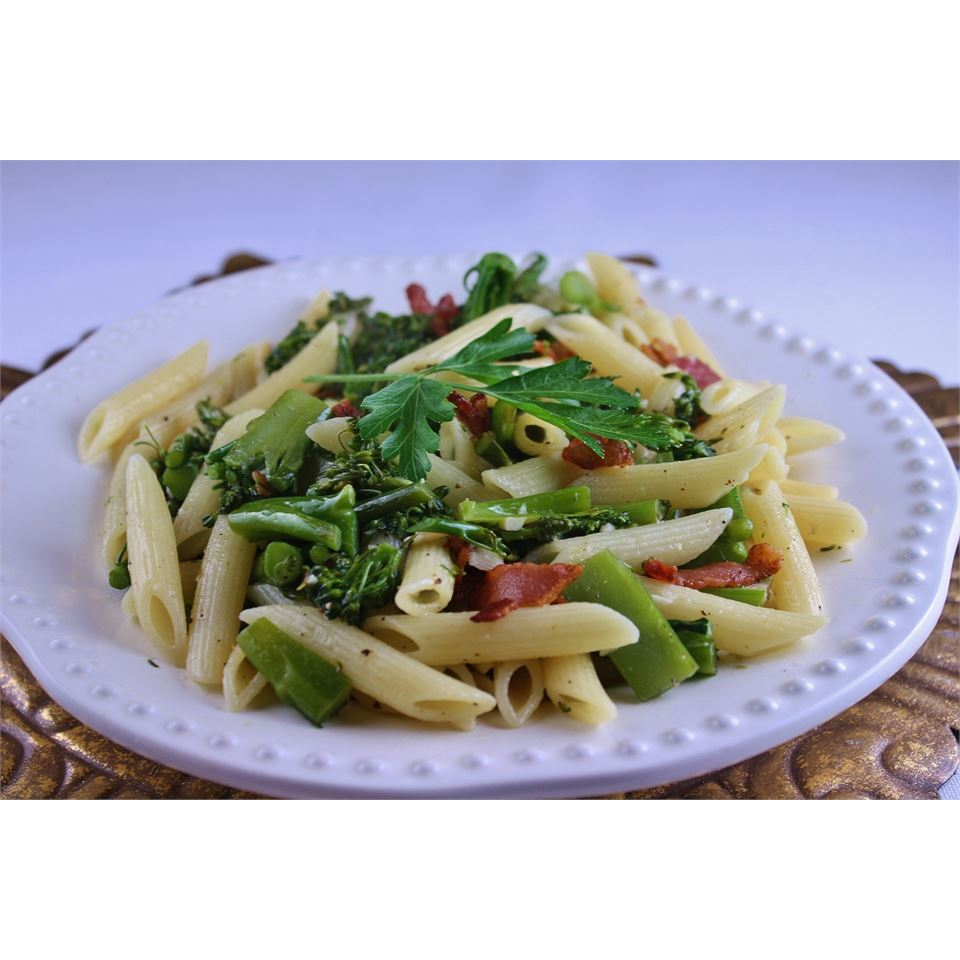 Penne with Garlicky Broccolini naples34102
