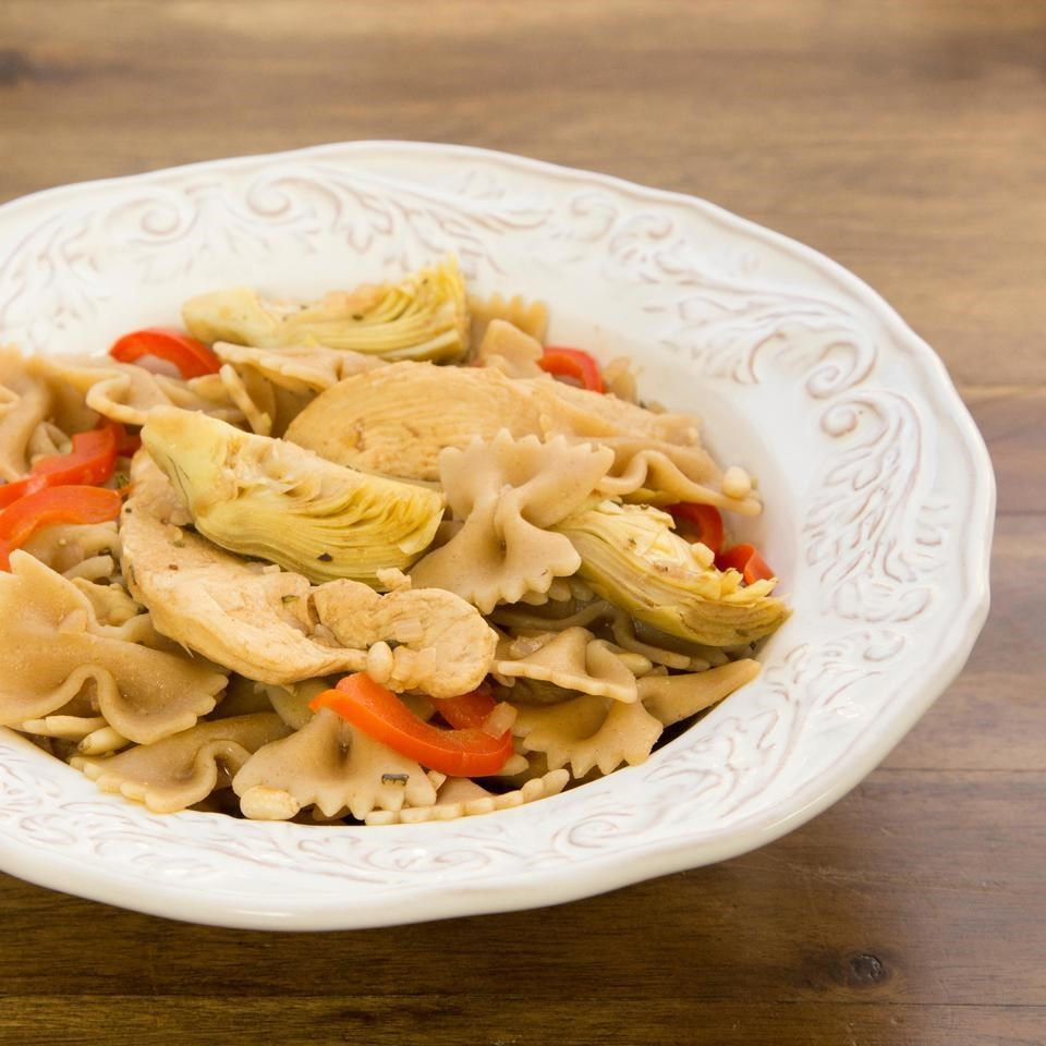 Bow Ties with Chicken, Red Peppers & Artichokes
