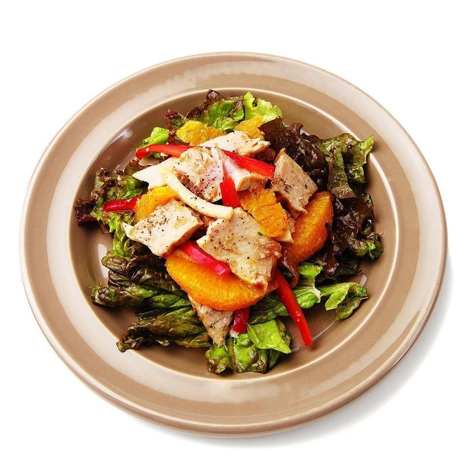 Grilled Tuna, Orange & Jicama Salad with Red Onion Dressing