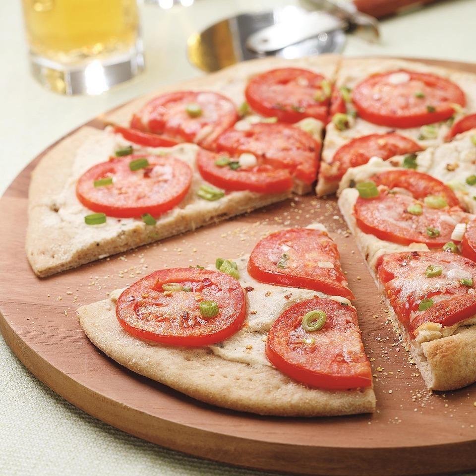 Pizza with White Bean Puree & Fresh Tomatoes
