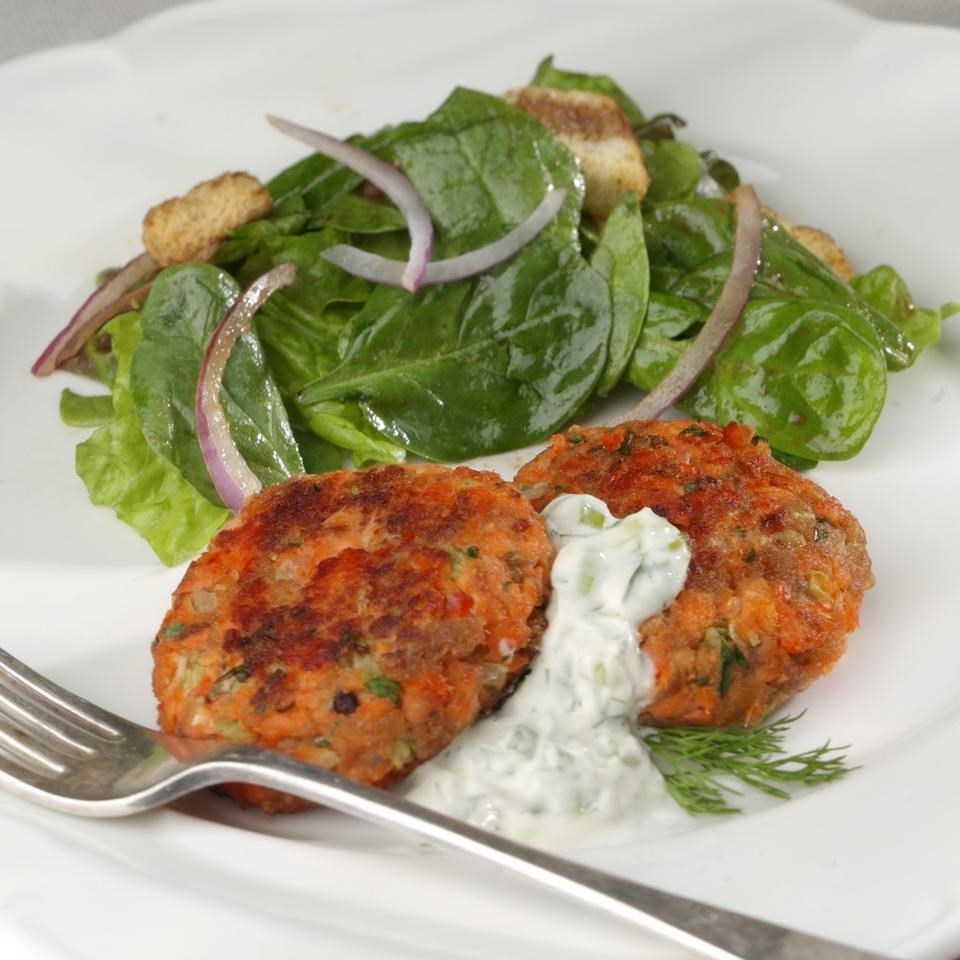 Real Simple Salmon Cakes