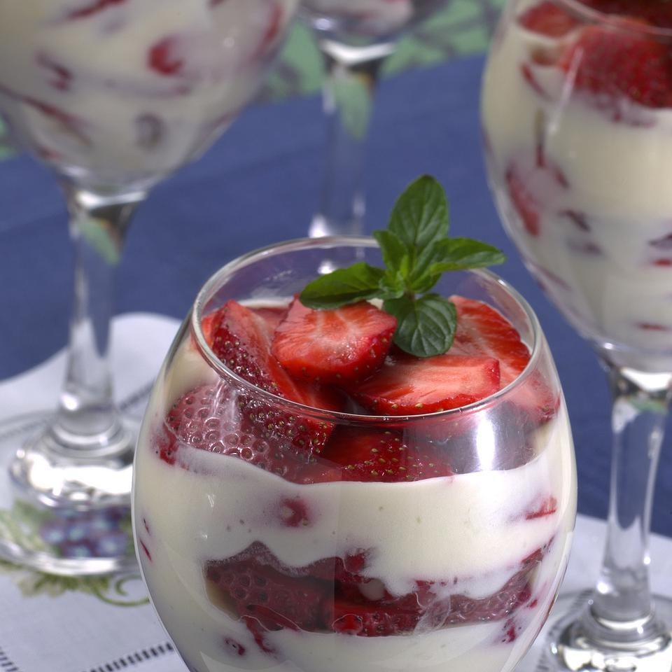 Strawberries-and-Cream Parfaits