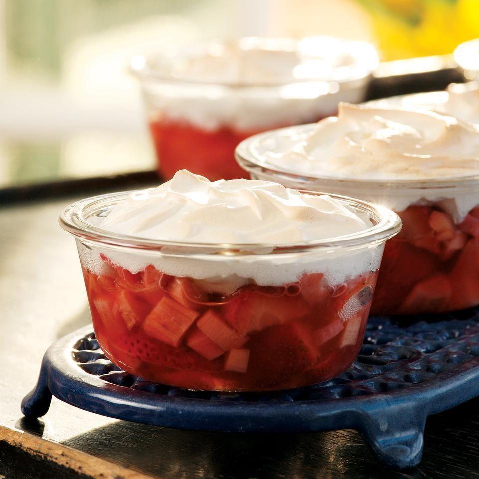 Meringue-Topped Strawberries & Rhubarb