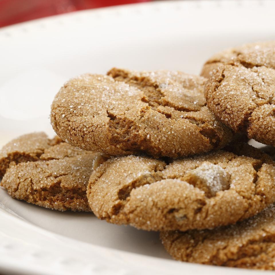 Yummy Molasses Crackles Recipe Eatingwell