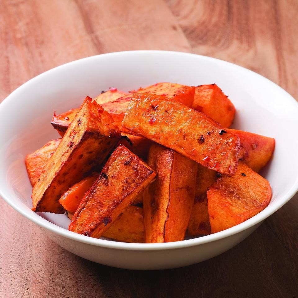 Chile-Garlic Roasted Sweet Potatoes Recipe