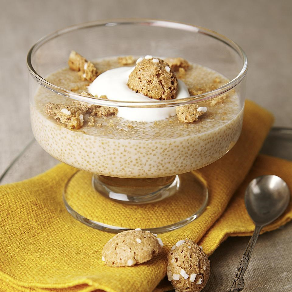 Amaranth Pudding with Amaretto Cream