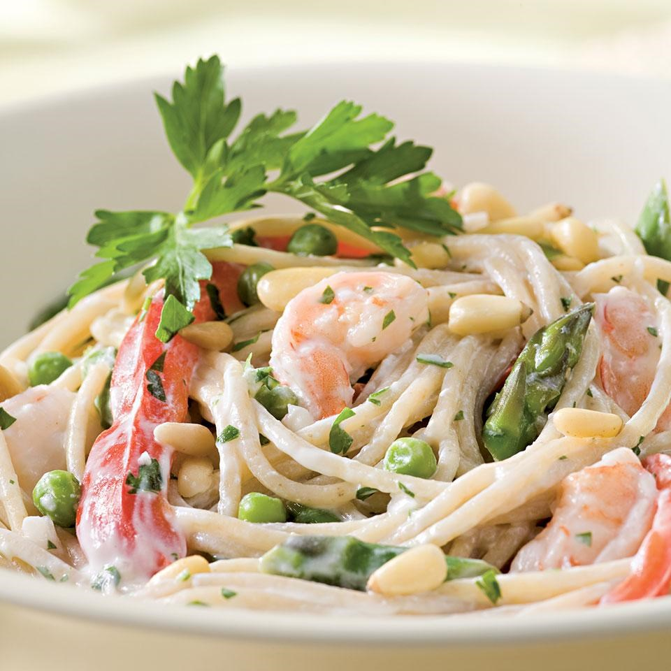 Creamy Garlic Pasta with Shrimp & Vegetables