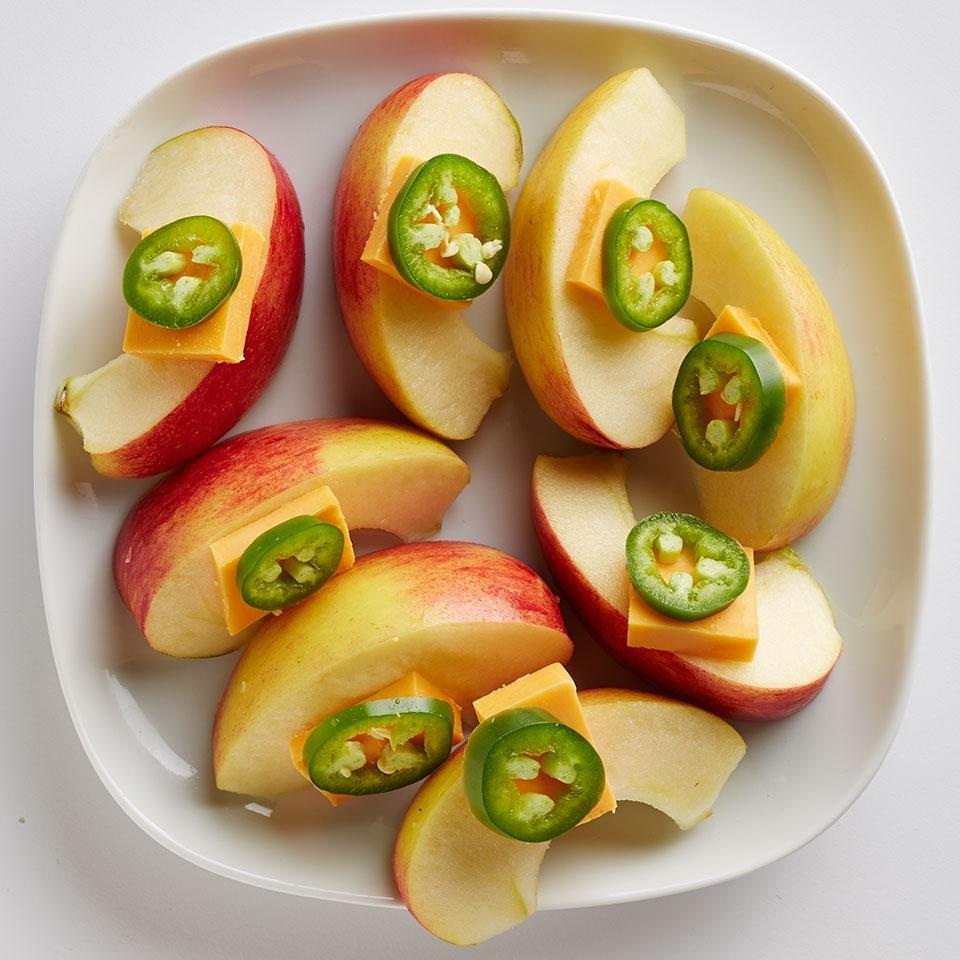 Apple & Cheddar with Jalapeño Slices