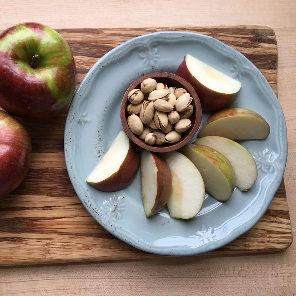 Apple & Pistachios
