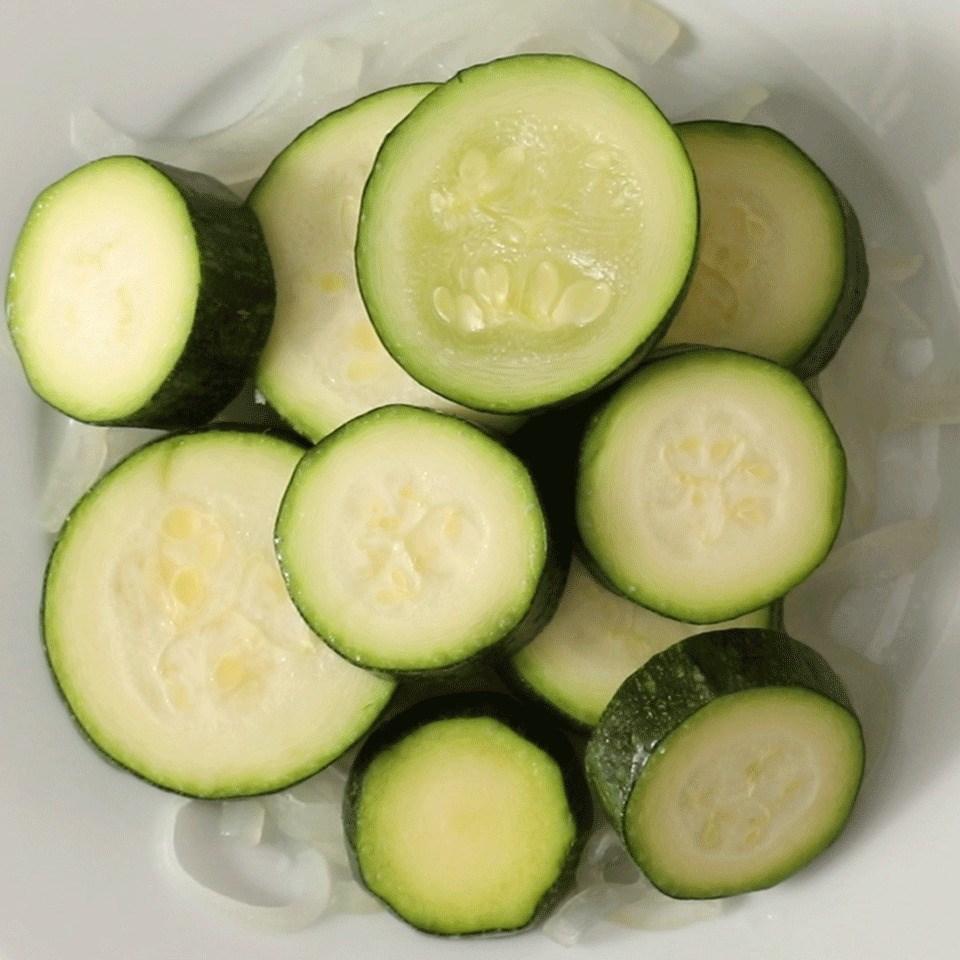 Easy Steamed Zucchini
