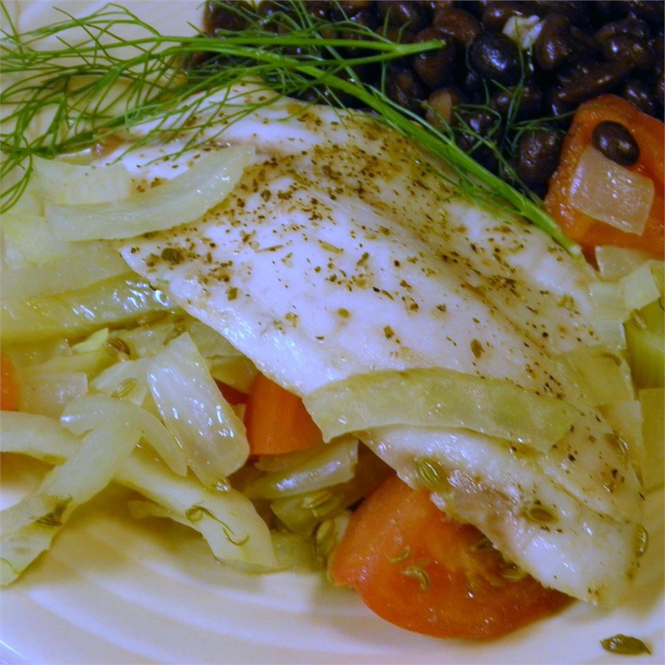 Paleo Poached Whitefish in Tomato-Fennel Broth - Printer Friendly