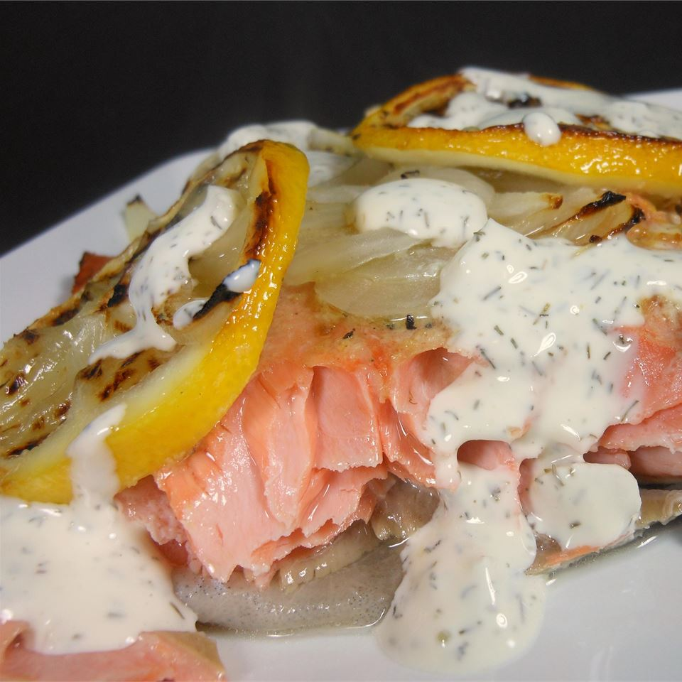Salmon with Creamy Dill Sauce - Printer Friendly